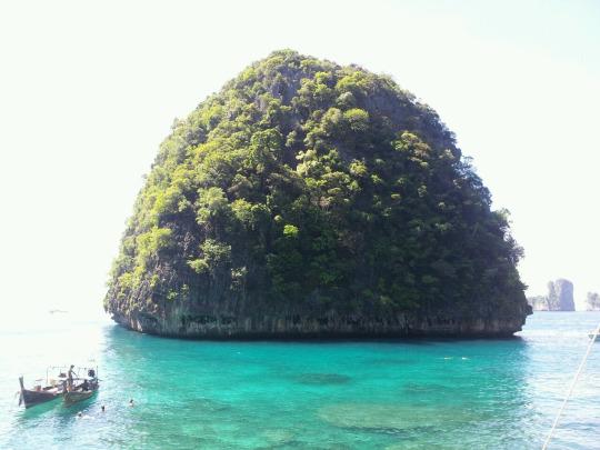 Maya Island Bay